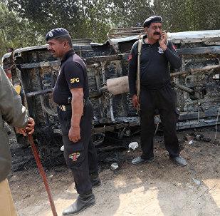 Пакистан полиция кызматкери. Архивдик сүрөт