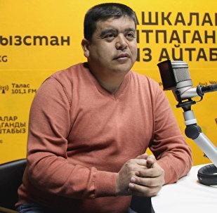 Белгилүү куудул Тынар Курбаналиев маек учурунда