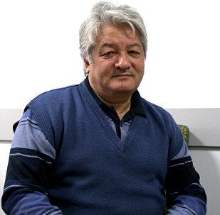 КРдин Эмгек сиңирген артисти, пародист, куудул Күмөндөр Абылов