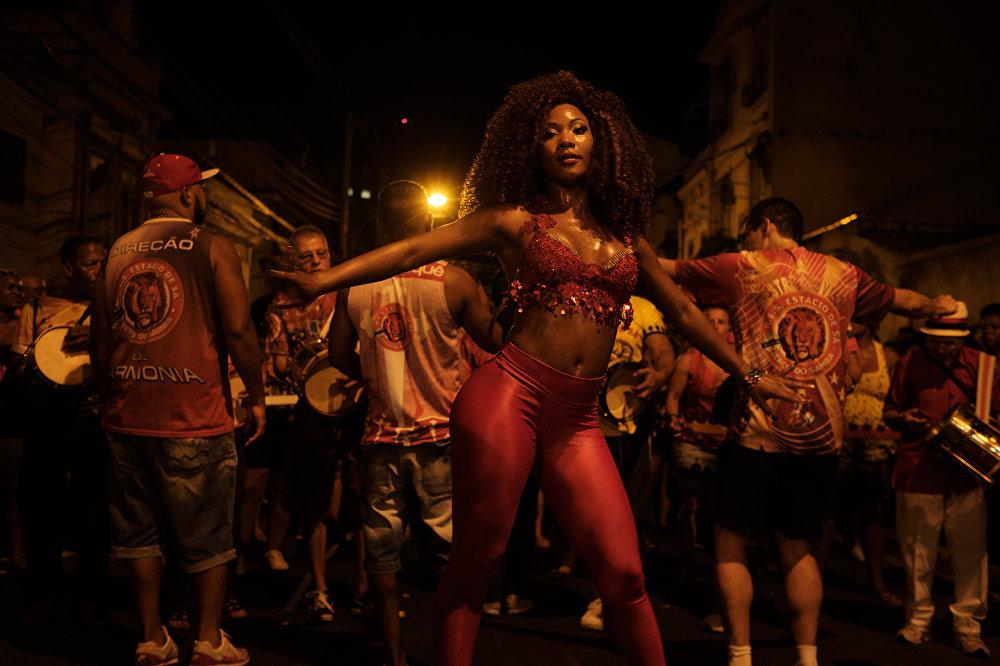 Подготовка к карнавалу в Рио-де-Жанейро