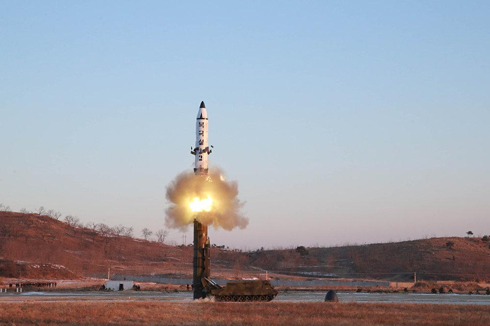 КНДР испытала баллистическую ракету