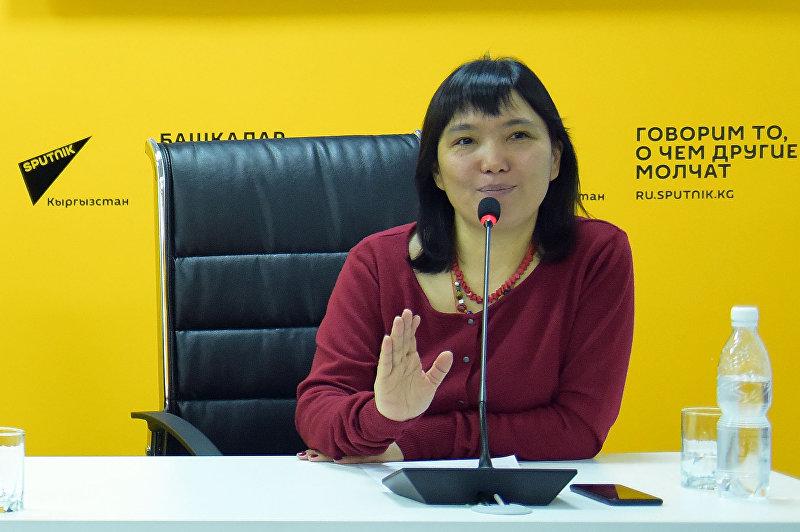 Руководитель пресс-службы мэрии Бишкека Гуля Алмамбетова на пресс-конференции в мультимедийном пресс-центре Sputnik Кыргызстан.