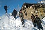 Сильный снегопад в Чаткальском р-не Ошской области