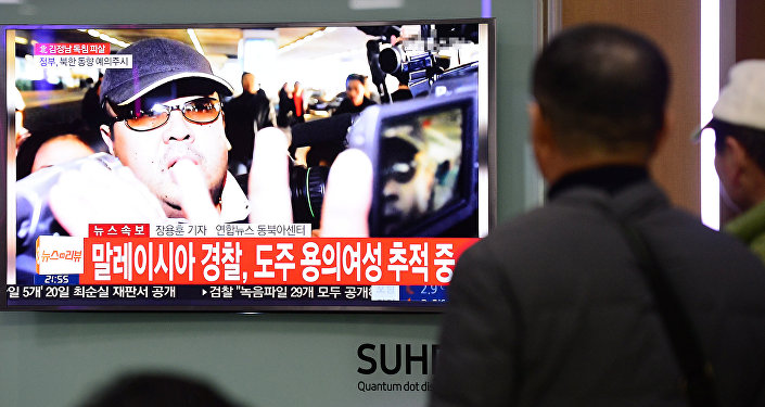 Южная Корея через громкоговорители обвинила КНДР вубийстве Ким Чен Нама