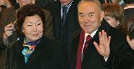 Нурсултан Назарбаев со своей женой Сарой. Архивное фото
