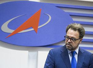 Генеральный директор РКК Энергия Владимир Солнцев на пресс-конференции, посвященной подписанию сделки по проекту Морской старт.