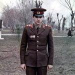 Вице-премьер Олег Панкратов Украинада аскердик кызматтан өткөн. Ал Киев аскер округунун Десна шаарчасында аткычтар взводун жетектеген
