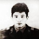 КРнын эмгек сиңирген артисти Бек Борбиев Советтик Армиянын катарында 1987-1989-жылдары кызмат өтөгөн