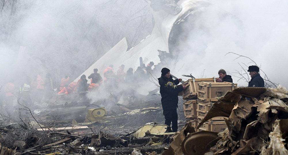 Дача айылындагы авиакырсыктын кесепеттери. Архивдик сүрөт