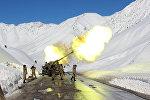 Обстрел лавинных очагов сотрудниками МЧС на автодороге Бишкек-Ош. Архивное фото