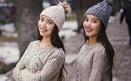 Певицы, сестры-близнецы Алина и Адина Улановы