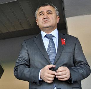 Жогорку Кеңештин мурдагы депутаты Өмүрбек Текебаев. Архив