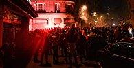 Болельщики во время беспорядков. Архивное фото