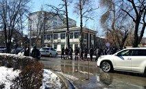 УКМКнын алдындагы милиция кызматкерлери