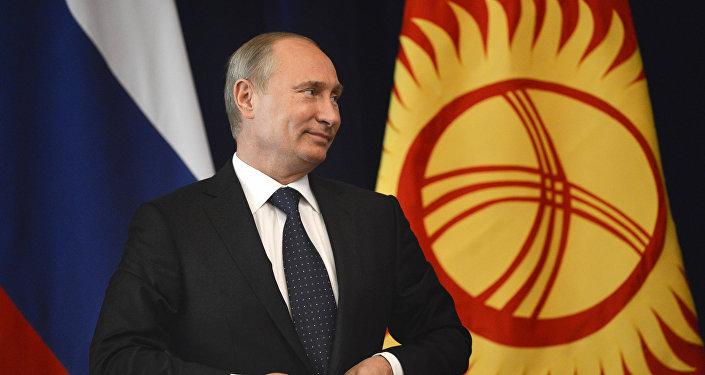 Путин: Российская Федерация ценит позицию Таджикистана врешении региональных сложностей безопасности