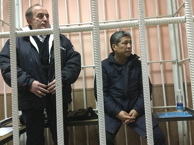 Подсудимые Хаджимурат Коркмазов и Данияр Нарымбаев в суде