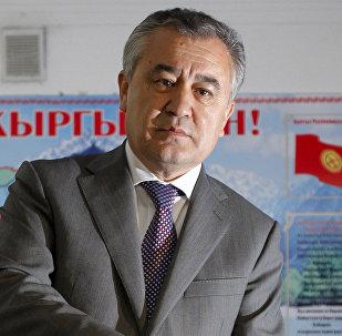 Ата Мекен партиясынын лидери Өмүрбек Текебаевдин архивдик суроту