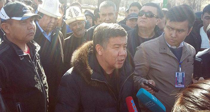 Атамбаев оделе Текебаева: Чистой воды коррупция имошенничество