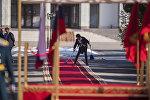 В государственной резиденции Ала-Арча наводят марафет перед приездом гостей. Архивное фото
