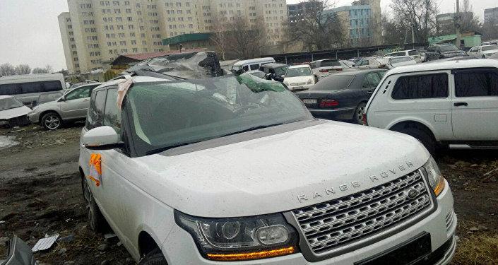 Гендиректор Общественной телерадиокорпорации КР (КТРК) Илим Карыпбеков попал в дорожно-транспортное происшествие, его прооперировали.