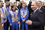Президент РФ Владимир Путин во время посещения регионального центра спортивной подготовки Академия биатлона в Красноярске