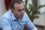 КТРКнын башкы директору Илим Карыпбековдун архивдик сүрөтү