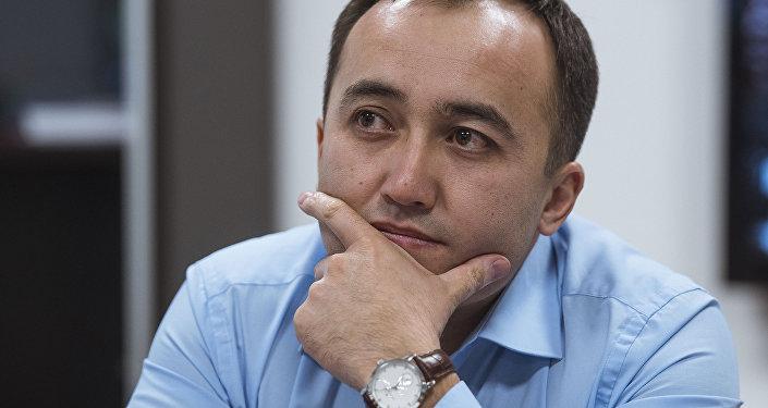 Архивное фото генерального директора КТРК Илима Карыпбекова