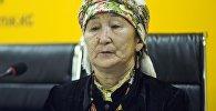 putnik Кыргызстан агенттигине салттуу билимди алып жүрүүчү, Кыздын кийими сынагынын калысы Букадича Орозалиева