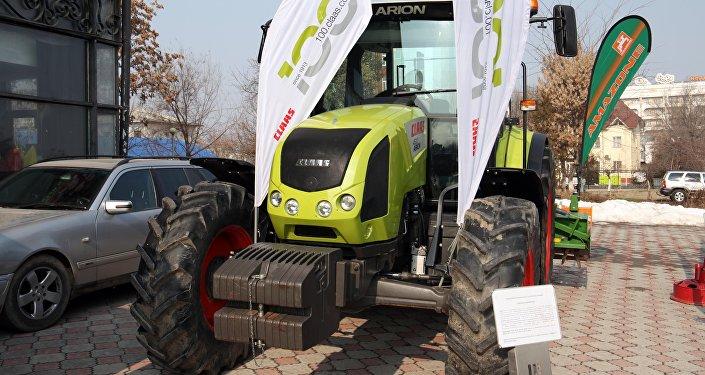 На ярмарке представлены высококачественные средства производства для сельхозпроизводителей, оборудование для тепличных хозяйств, капельные системы орошения.