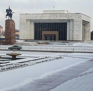 Площадь Ала-Тоо в центре города Бишкек