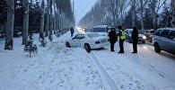 Тройное ДТП с участием машины с дипломатическими номерами на проспекте Чингиза Айтматова
