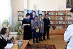 Презентация двух книг стихов сотрудницы исправительной колонии №2 Жыпаркул Жетигеновой состоялась в Бишкеке