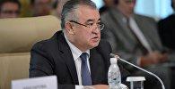 Депутат Өмүрбек Текебаевдин архивдик сүрөтү