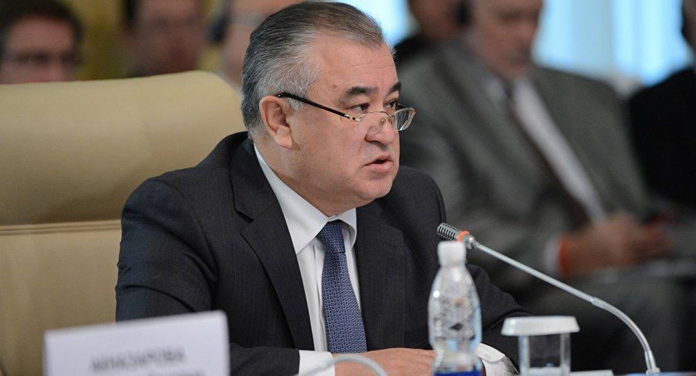 Партия лидери Өмүрбек Текебаев. Архивдик сүрөт