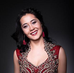 Женщины в форме и без, или Как таким кыргызстанкам идут платья