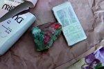 Обнаруженный телефон и зарядное устройство на флакон с шампунем сотрудниками ГСИН