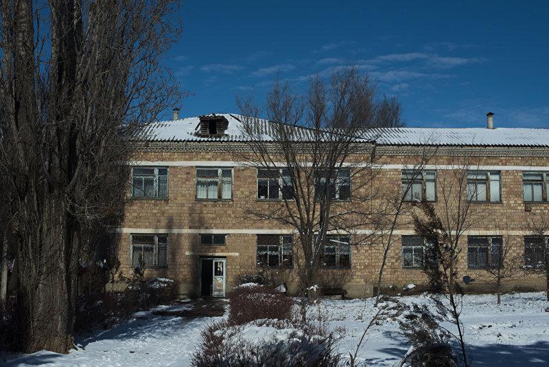 Здание республиканской психиатрической больницы в селе Чым-Коргон
