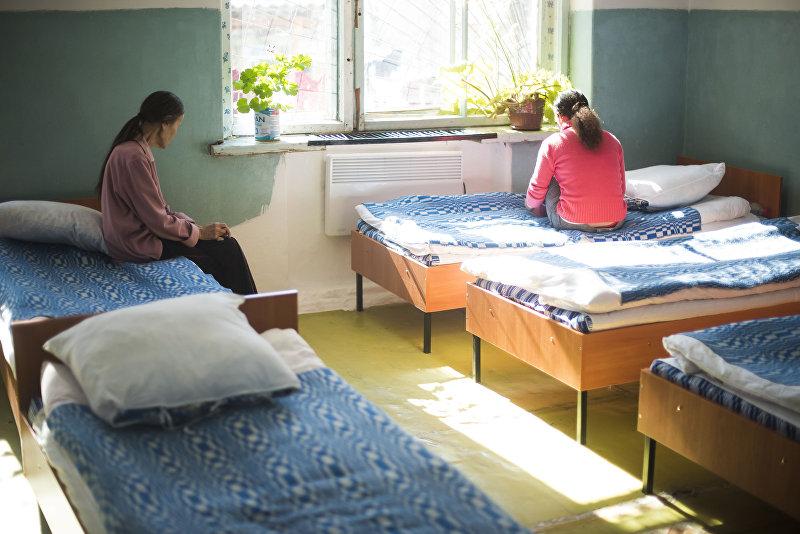 Пациенты в палате республиканской психиатрической больницы в селе Чым-Коргон