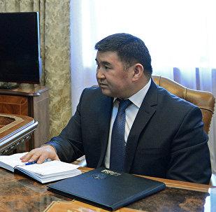 Президент Алмазбек Атамбаев принял директора Антикоррупционной службы ГКНБ Боконбая Казакова