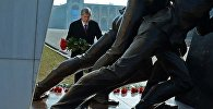 Президент Атамбаев Аксы окуяларында курман болгондорду эскерди