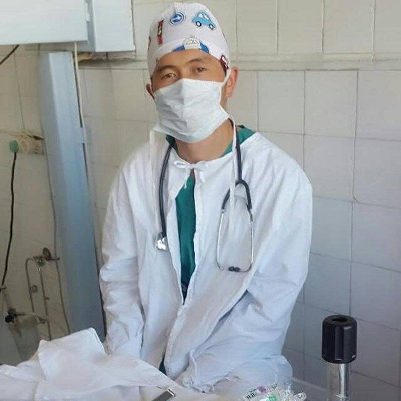 Врач в Тюпской районной больнице Иссык-Кулськой области Айбек Алимжан уулу