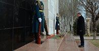 Президент Алмазбек Атамбаев 2002-жылы Аксы окуясында курман болгондорду эскерди