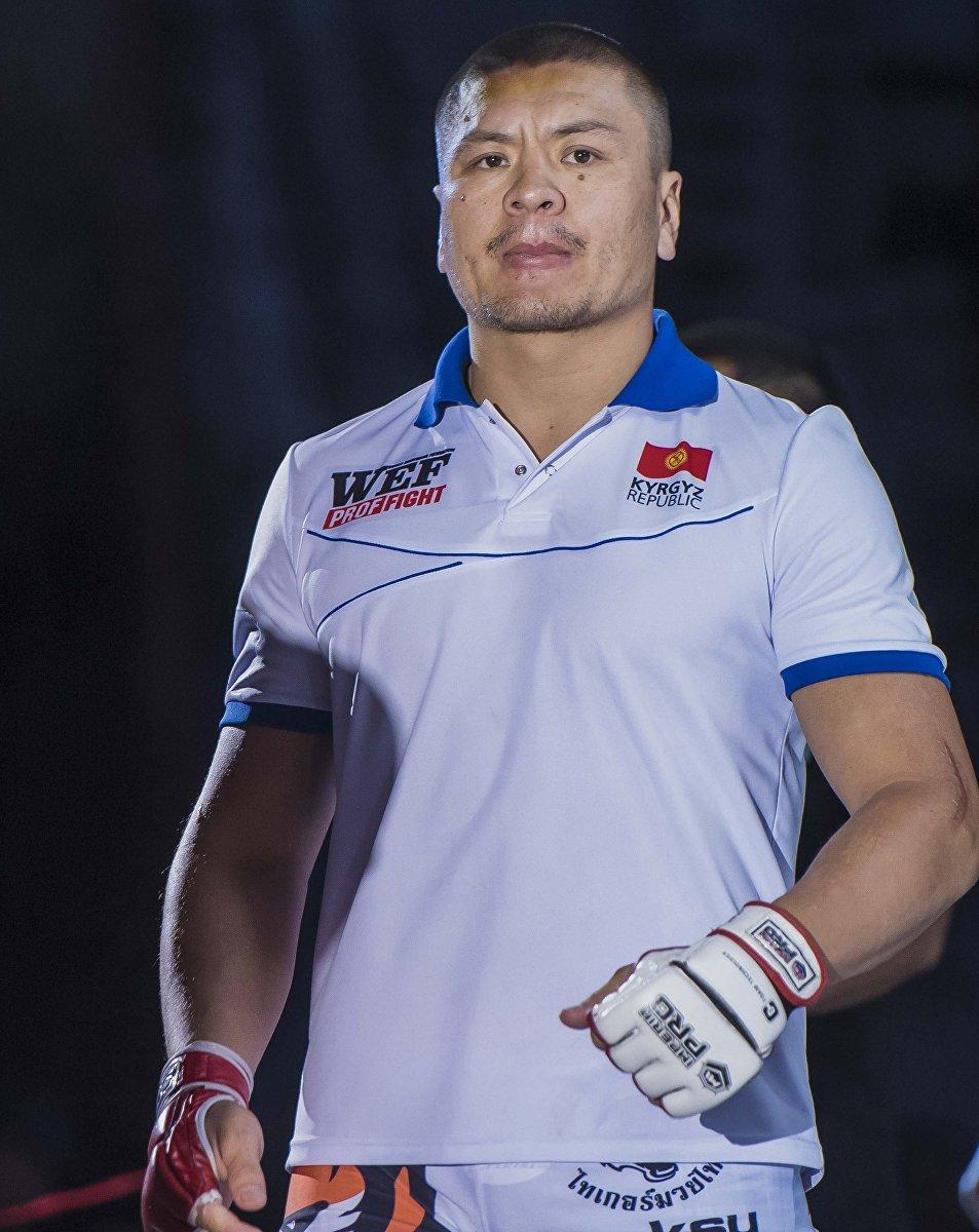 Кыргызстанский боец MMA Мыктыбек Мамасалиев, известный как Ак аюу перед боем