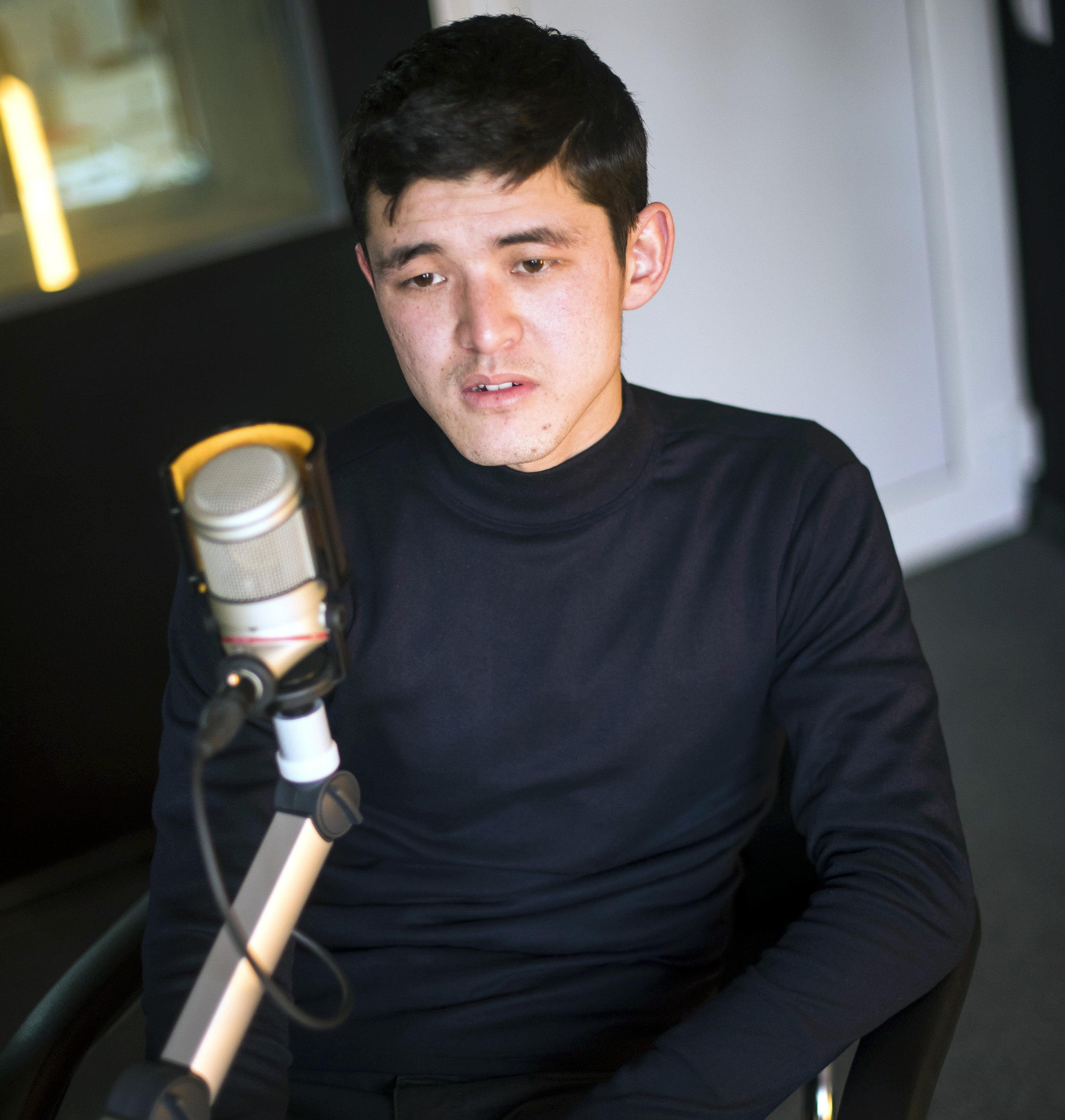 21-летний предприниматель Улар Садыгалиев во время интервью Sputnik Кыргызстан