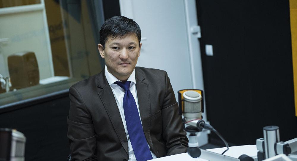 Ведущий менеджер программы Консультации малого бизнеса Европейского банка реконструкции и развития (ЕБРР) в Кыргызстане Бакай Джунушов во время интервью Sputnik Кыргызстан