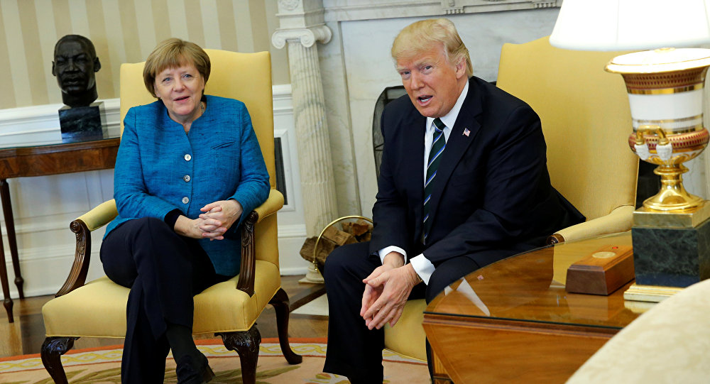 Президент США Дональд Трамп во время встречи с канслером Германии Ангелой Меркель в Белом доме США
