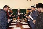 Ошто диний кызматкерлерге 18-мартта башталган Чечендик өнөрдү өнүктүрүү аталышындагы семинар 18-апрелге чейин уланаарын Ош облусунун мусулмандар казыятынын маалымат кызматы Sputnik Кыргызстан агенттигине кабарлады.
