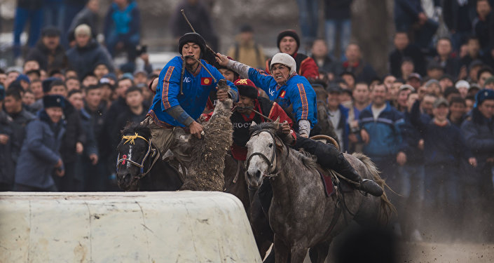 Игроки команд Ынтымак (Талас). Архивное фото