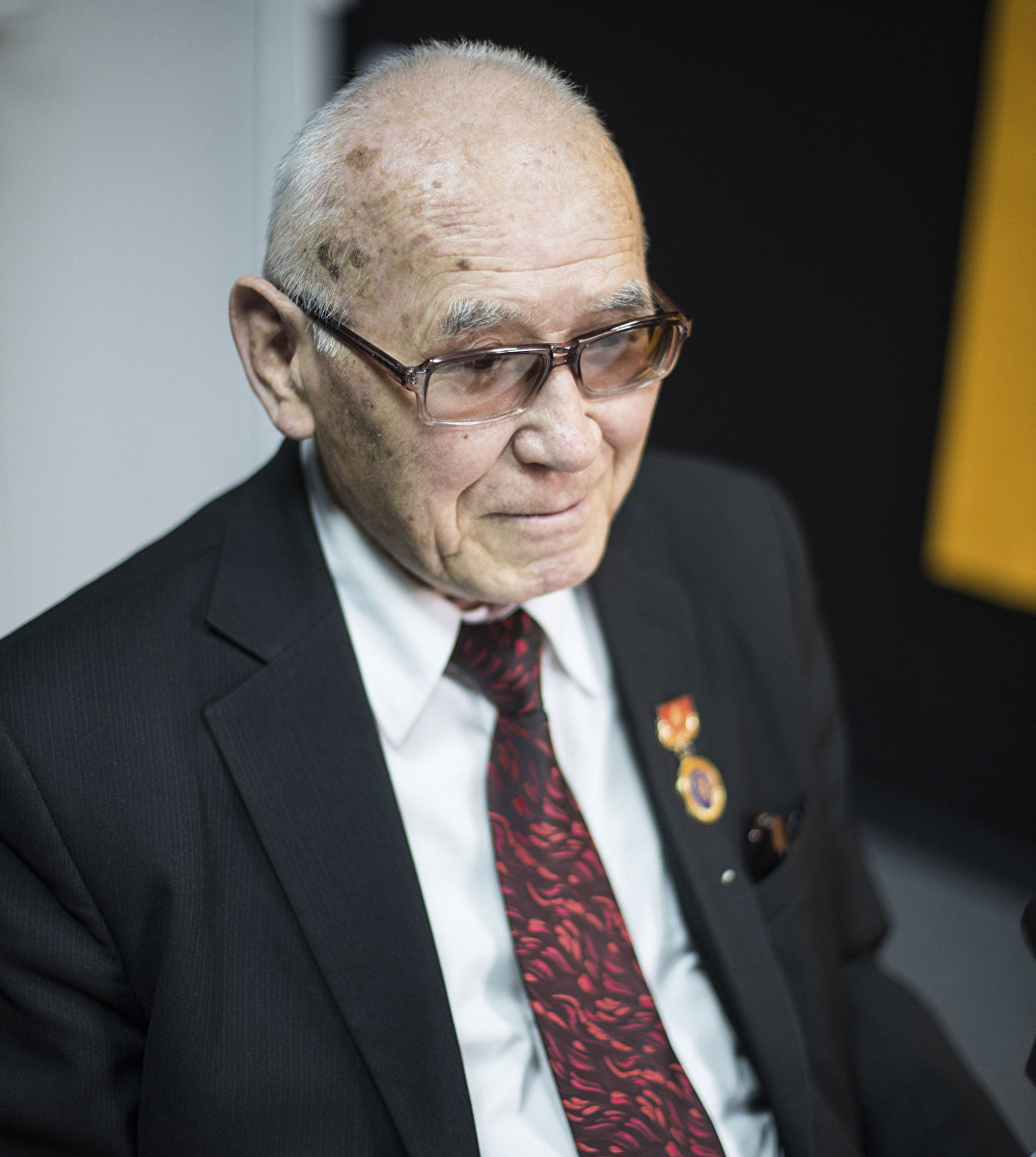 Нейрохирург, профессор Миталип Мамытов во время интервью Sputnik Кыргызстан