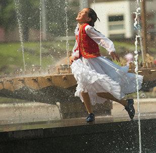 Запуск фонтана в Бишкеке. Архивное фото